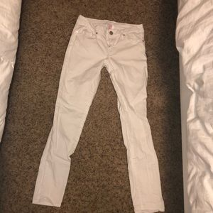 Denim - white low wasted stretchy jeans